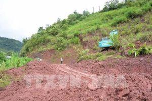 Lào Cai: Mưa lớn gây sạt lở làm ách tắc quốc lộ 4 đoạn Bắc Hà đi Si Ma Cai