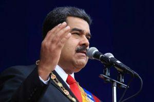 Tổng thống Venezuela Maduro thoát ám sát giữa bài phát biểu
