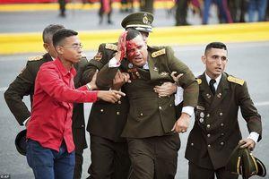 Thót tim hiện trường vụ ám sát hụt Tổng thống Venezuela Maduro