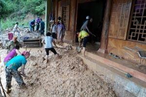Tình quân - dân trong mưa lũ