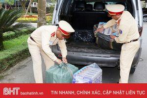 Chở 2.000 gói thuốc lá lậu từ Lao Bảo ra Hà Tĩnh bán, 2 đối tượng bị khởi tố