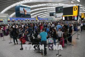 British Airways kêu gọi Anh đẩy nhanh thủ tục kiểm tra hộ chiếu tại sân bay Heathrow