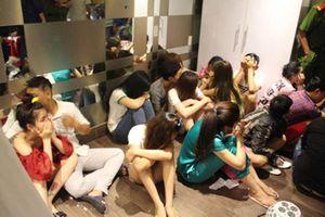 Hàng chục nam nữ mở 'tiệc ma túy' trong căn hộ ở TP.HCM