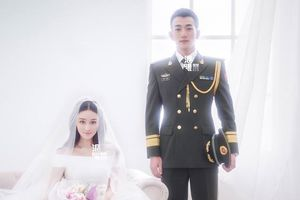 Mối tình của Trương Hinh Dư và chồng: `Tay phải chào Tổ quốc, tay trái nắm tay em`