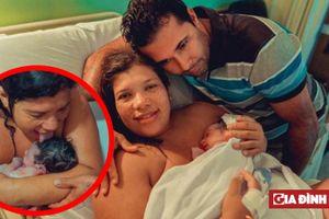 Bà mẹ liếm đầu đứa con mới sinh tại nhà: Các chuyên gia nói gì?