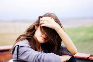 Thất tình chẳng việc gì phải khóc, chỉ là bạn bỏ đi người không xứng đáng