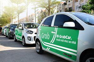 Bộ GTVT bất ngờ đề xuất Grab không phải gắn mào như taxi