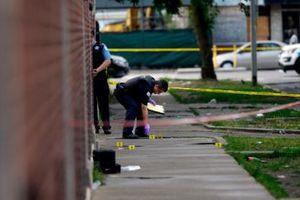Mỹ: Bạo lực súng đạn tại Chicago, 44 người trúng đạn trong 14 giờ