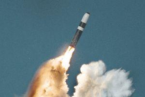 Nhằm vào Nga, hạt nhân NATO không thể cản Moscow bắt tay Mỹ?