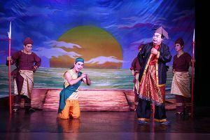 'Huyền thoại ngọn đồi đỏ' phiên bản tuồng Việt ra mắt khán giả Thủ đô