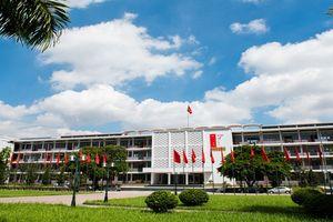 Thủ tướng Nguyễn Xuân Phúc: Yêu cầu Bộ GD&ĐT rà soát, giảm số lượng đơn vị trực thuộc