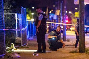 66 người bị bắn, 12 người chết trong 3 ngày cuối tuần tại Chicago