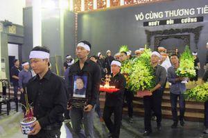 Vợ NSƯT Bùi Cường phải cấp cứu, vắng mặt trong tang lễ của chồng