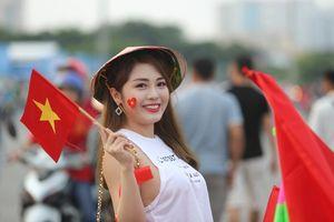 Cổ động viên phủ kín sân Mỹ Đình chứng kiến trận 'tái ngộ' của U23 Việt Nam