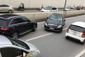 Lái xe Mercedes 'ngũ quý 7' trần tình đi ngược chiều hầm Kim Liên