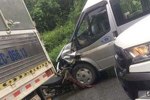 Hà Giang: Xe máy đấu đầu xe khách, 2 người tử vong tại chỗ