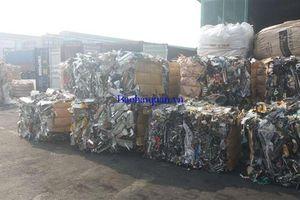 Hơn 30 tấn 'rác' tại Cát Lái vẫn chưa được tái xuất