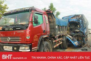 Tai nạn giao thông liên hoàn, 2 người nhập viện cấp cứu