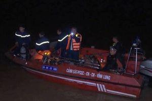 Vĩnh Long: Bé gái 6 tuổi mất tích sau vụ chìm sà lan