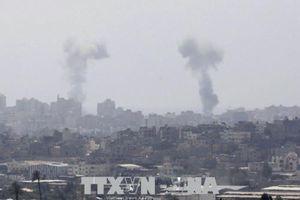 Israel không kích đáp trả các vụ nã pháo từ Gaza