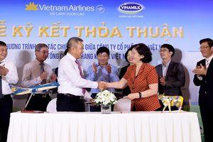 Vietnam Airlines và Vinamilk công bố hợp tác chiến lược