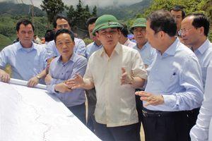 Chọn phương án đầu tư đường nối cao tốc Nội Bài-Lào Cai với SaPa