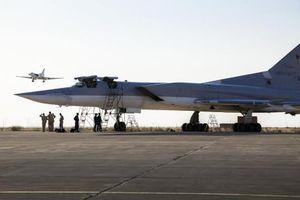 Nga ra mắt máy bay ném bom mang tên lửa tầm xa được nâng cấp