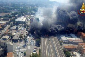Italia: Xe bồn phát nổ sau va chạm xe tải, 102 người thương vong