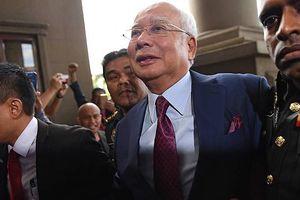 Cựu thủ tướng Malaysia bị kết án với 3 tội danh rửa tiền