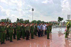 Hoạt động 'Về nguồn' ý nghĩa của phòng Cảnh sát môi trường Công an Hà Nội
