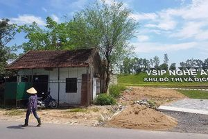 Hoãn phiên xử vụ kiện hành chính chủ tịch tỉnh Nghệ An