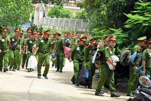 Học viên Trường trung cấp CSND 5 giúp dân