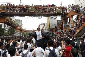 Vụ tai nạn làm 'tê liệt' thành phố 18 triệu dân