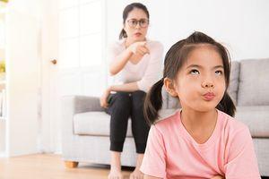 Sau những trận đòn roi, trẻ học được gì từ bố mẹ?