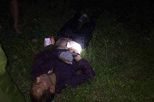 Người nước ngoài cướp ô tô rồi đâm xe vào công an phường để giải cứu đồng phạm