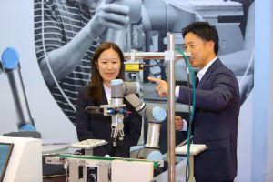 Robot hợp tác: Sự phát triển của ngành tự động hóa và điều khiển tại Việt Nam trong tương lai?