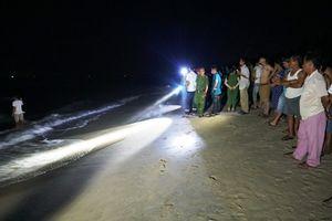 Tắm biển ở Quảng Ngãi, 5 học sinh vừa thi đại học bị cuốn trôi