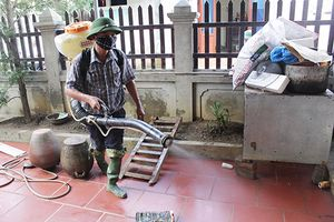 Chương Mỹ – Tp. Hà Nội: Các xã bị ngập tiến hành dọn dẹp vệ sinh môi trường ngay sau khi nước rút