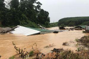 Mưa lũ gây thiệt hại nặng ở huyện biên giới Ia H'Drai