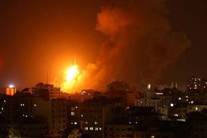 Hứng 150 hỏa tiễn, Israel tấn công đáp trả 140 mục tiêu ở dải Gaza