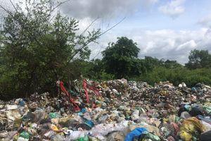 Cần có biện pháp xử lí dứt điểm bãi rác tự phát tại xã Thạnh Phú
