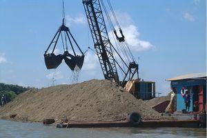 Xử phạt 150 triệu đồng vì khai thác cát trái phép trên sông Kinh Thầy