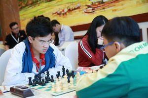 Quang Liêm, Anh Khôi cùng thắng ở giải cờ vua quốc tế UAE