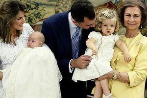 Hai công chúa xinh đẹp sẽ thừa kế ngai vàng Tây Ban Nha