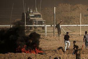 Israel và Hamas bất ngờ nhất trí đình chiến sau nhiều giờ giao tranh