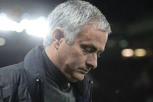 Manchester United - Leisester City: Bóng ma ngày cũ liệu có trở về vây khốn Mourinho?