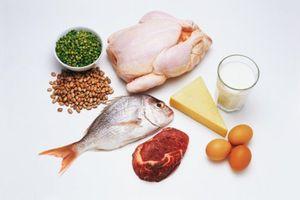 Trẻ bị thiếu cân, suy dinh dưỡng, thấp còi nên ăn gì?