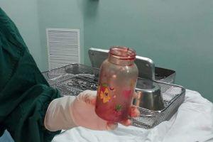 Nam trung niên hút chết khi dùng bình sữa nhét vào hậu môn để chữa bệnh thoái hóa cột sống