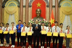 Chủ tịch nước Trần Đại Quang gặp mặt chỉ huy Đội giỏi toàn quốc