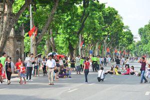 Cách nào để thêm không gian đi bộ cho Hà Nội?